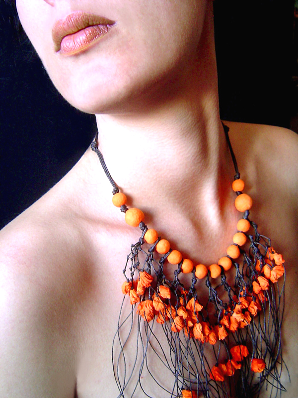 BEGONA RENTERO: Necklace Flandes, Long, Saffron