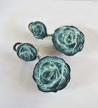 BEGONA RENTERO: Earrings Virginia Woolf, Deep Teal